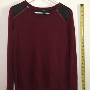 Forever21 Sweater Used in Woman